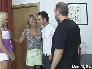 Old mom seduces his new girl come by family mating