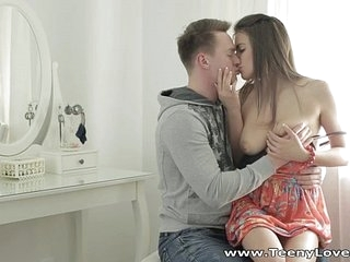 Elfin Lovers - Anal and facial Carly on teen-porn a chair
