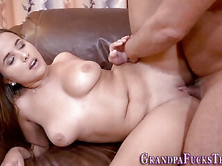Teen gets pussy licked by oldie