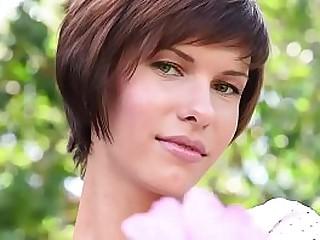 Hot Ukrainian babe Suzanna A stripping outdoor