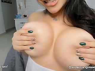 ROULETTE - Sexy Latina twerking ass so hot - Oral - twerk on COCK - Big boobs Big ass